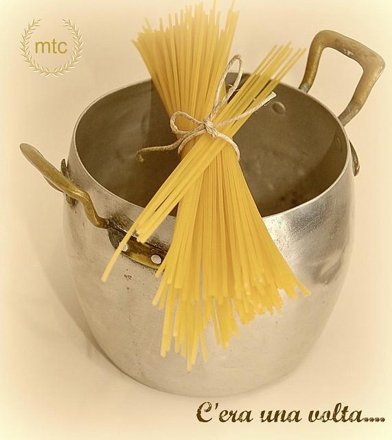 C 39 era una volta l 39 invenzione della pasta mtchallenge for Piscina c era una volta castrovillari
