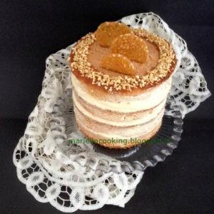 almond naked cake