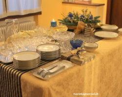 """40.La Tavola del 31 Dicembre per il buffet di Elisa:""""Blu e oro"""""""