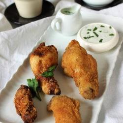 83.Pollo fritto con composta agro-speziata di pere, scalogno e melone di Annalena