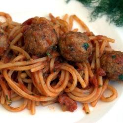 27. Spaghetto quadrato e polpettine di sardine al sugo di Giuliana