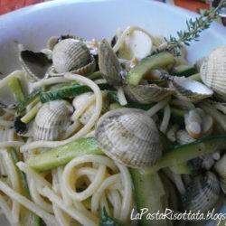Spaghetti alle vongole, zucchine e timo di Vera