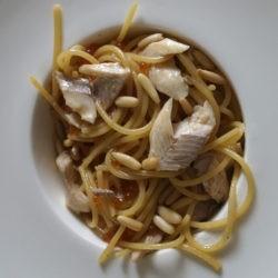 40. Ma porca trota (dell'Himayala) con spaghetti e le sue uova di Eleonora