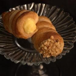 21. Giuliana F, Cannoncini con crema pasticcera alla nocciola e al gelsomino