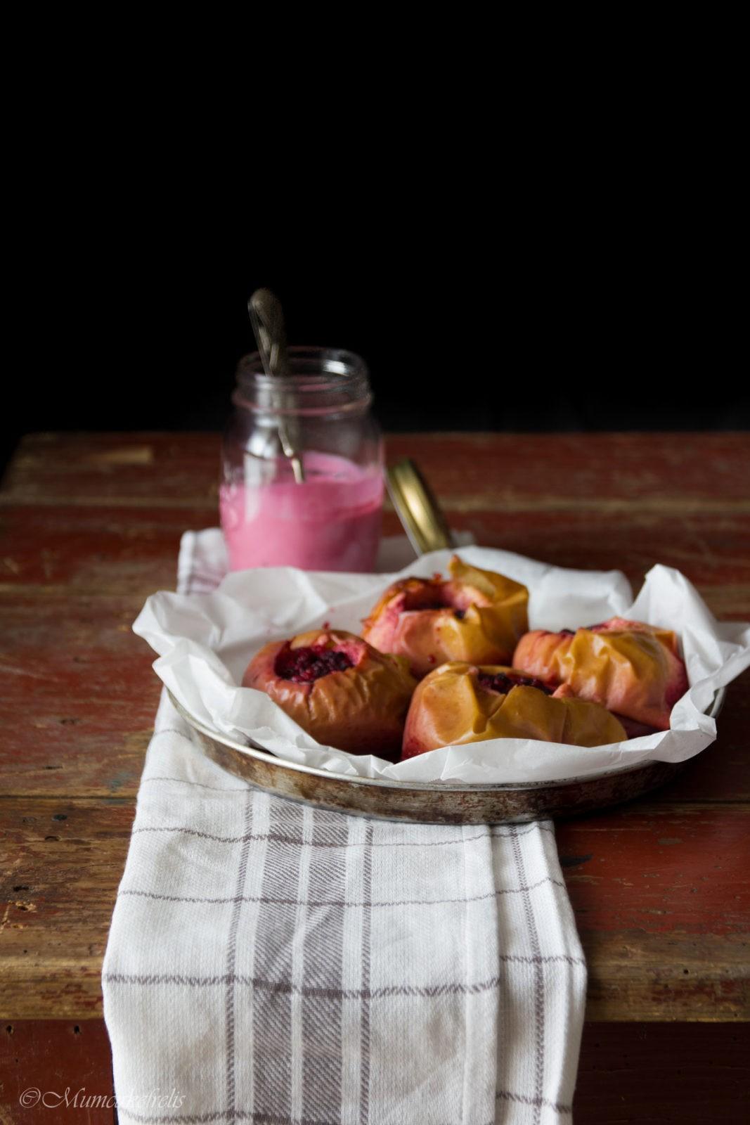 mele cotte con frutti di bosco e yogurt (2)