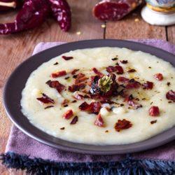 24. crema di patate affumicate con salsiccia lucana e peperoni cruschi fritti di Nadina