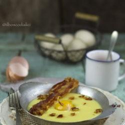 46. crema di patate affumicate, tuorlo d'uovo marinato e pancetta affumicata di Annarita