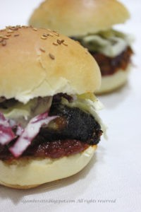 6. pulled pork (affumicato al faggio) bun con coleslaw e salsa barbecue fatta in casa di Eliana