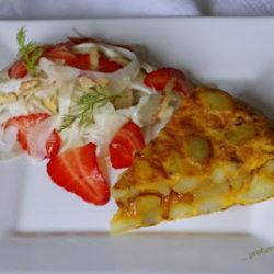 71. tortilla con insalatina di finocchi e fragole di Manu