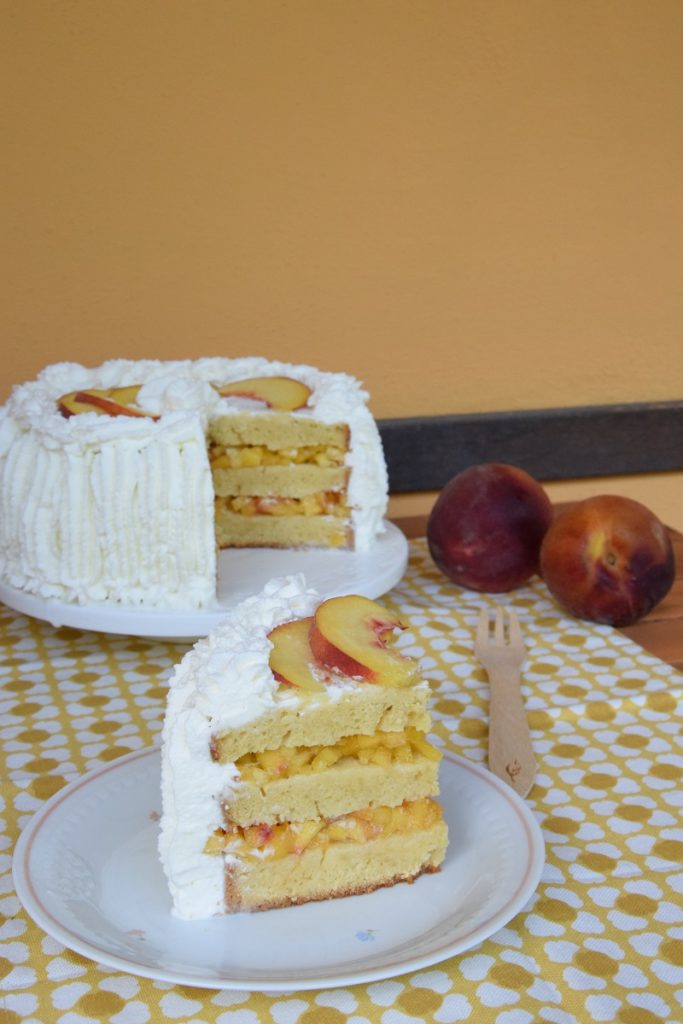 Peaches & Cream Prosecco Cake 2